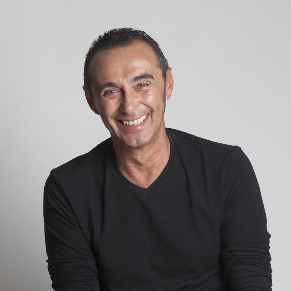 Artista Giuseppe Giacobazzi - Show & Eventi Aziendali